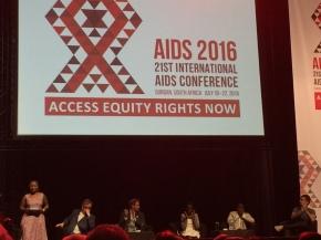 Contre le VIH/sida, n'attendons pas d'autres miracles que les nôtres!